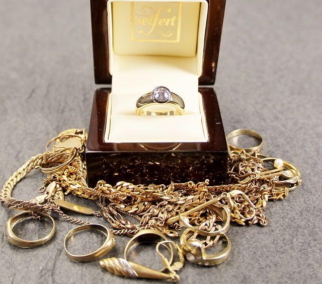 Fixer le bon prix de l'achat or pour vos bijoux