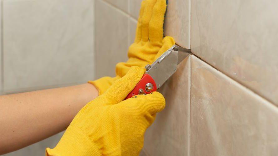 Joint de salle de bain : bien le refaire en 3 étapes