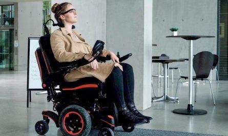 Le fauteuil roulant électrique : un allié pour votre mobilité